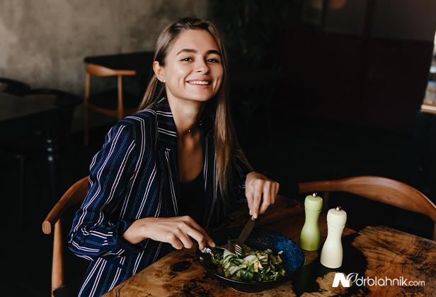 Vegetarian Eating Salad